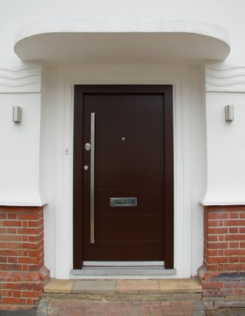 0200_Contemporary style security front door with two meters long vertical handle